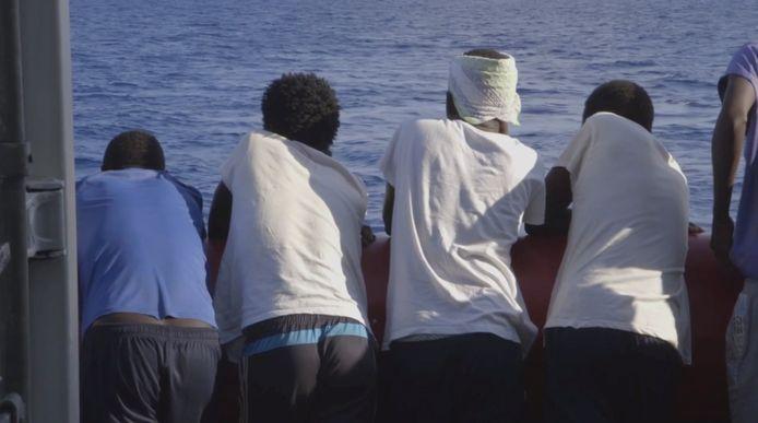 De opvarenden van het reddingsschip Ocean Viking mogen aan land in Malta en worden daarna verdeeld over Frankrijk, Duitsland, Ierland, Luxemburg, Portugal en Roemenië.