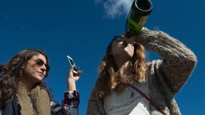 Jongeren vervalsen identiteit met smartphone om alcohol te kopen