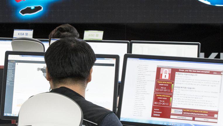 Bij het Korea Internet and Security Agency worden aanvallen met 'ransomware' als WannaCry in de gaten gehouden. Beeld epa