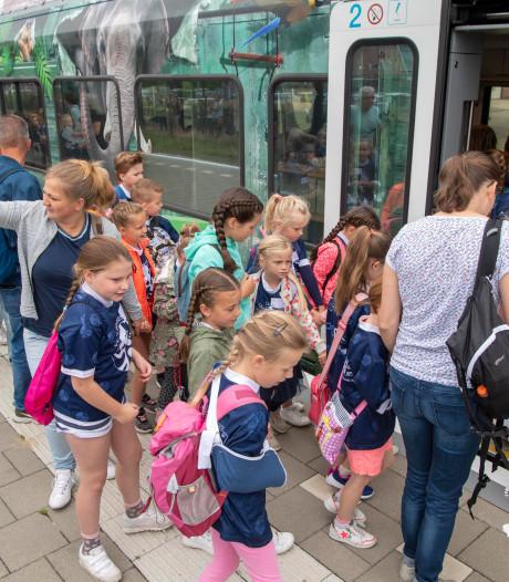Ds. G. Doekesschool uit Hardenberg heeft een primeur: met de trein op schoolreis