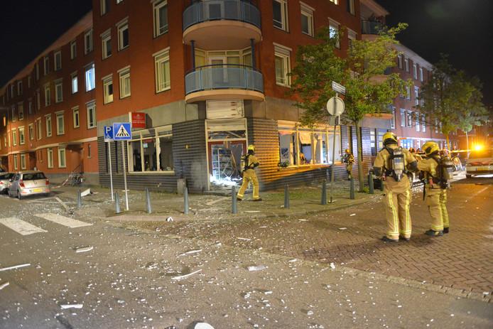 Explosie in reisbureau in de Schilderswijk.