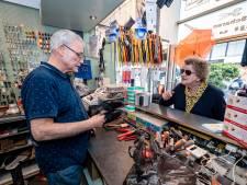 Lijnbaan na 42 jaar verleden tijd voor schoenmaker Peter Dijksman