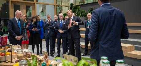 Koning opent onderzoekscentrum Unilever op Wageningse campus