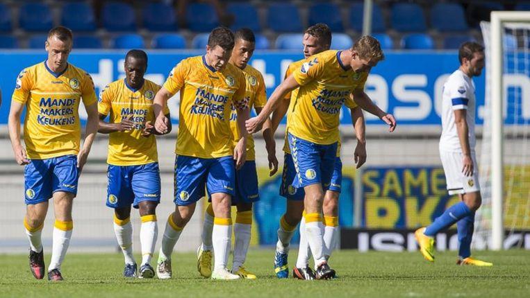 Sander Duits (derde van links) heeft RKC op 3-2 gezet Beeld anp