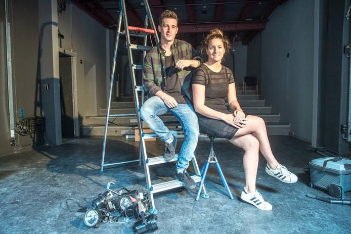 Boudewijn Koops en Corien Feikens in het pas verbouwde Papenstraattheater. Foto Frans Paalman