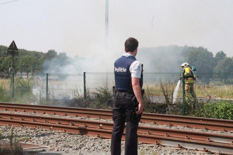 Berm naast spoorweg vat twee keer vuur door extreme hitte