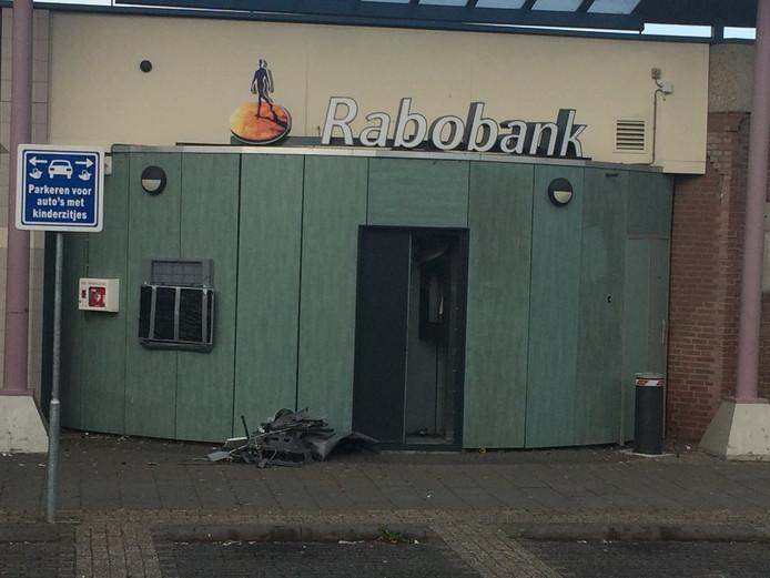 Een plofkraak bij een automaat van Rabobank.