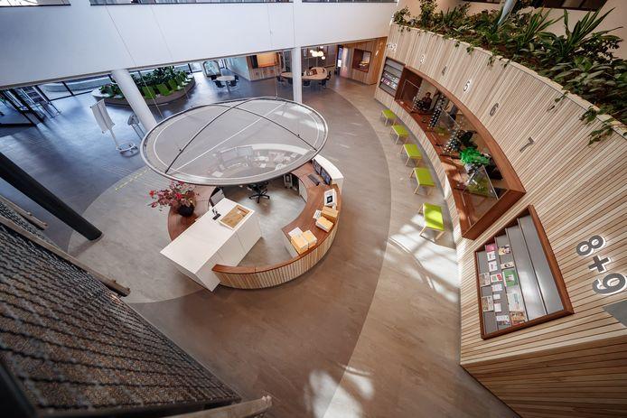 De nieuwe hal van het gemeentehuis van Moerdijk.