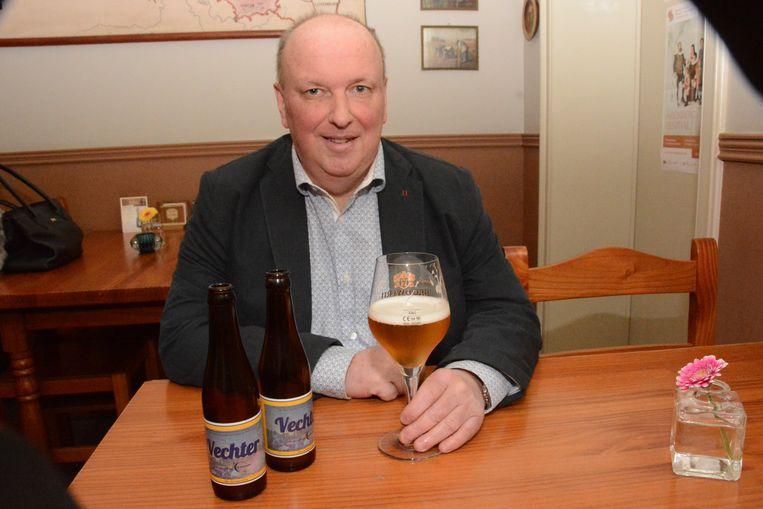 Jan Blommaert stelde nog maar recent het 'Vechter'-bier voor dat hij op de markt bracht ten voordele van Levensloop.