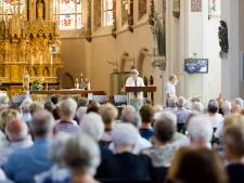 Kerkkoor in Deurne zet deuren open om samen te zingen: 'Een gevoel van saamhorigheid en serene rust'