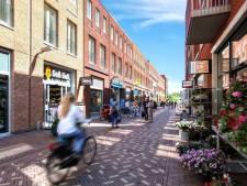 Winkelhart Gouweplein afgesloten met twee zakpalen