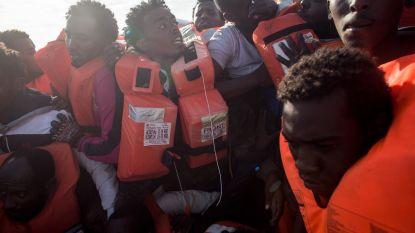 """Italiaans schip brengt geredde migranten terug naar Libië: """"Mogelijk schending van het internationaal recht"""""""