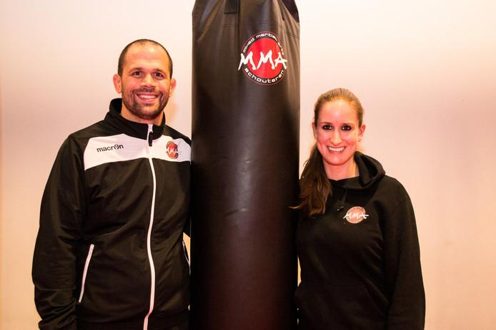 Nathan Schouteren (links op de foto) in zijn gym.