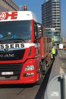 Passagiers van buslijn 3 moeten lopen na ongelukje op Oudenoord