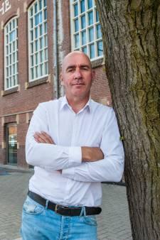 Ontslagen refo-docent Arjan van Essen doet boekje open bij Pauw