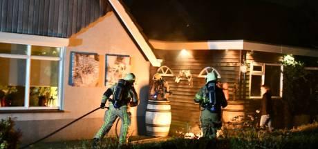 Schade bij woningbrand in Vroomshoop