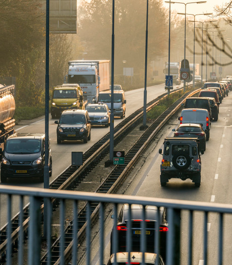 Steeds terugkerend gat in A65 bij Vught eindelijk grondig aangepakt; weg wordt deels afgesloten