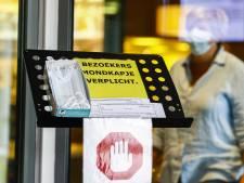 Na zes weken weer bezoek in door corona getroffen verpleeghuis in Reeuwijk