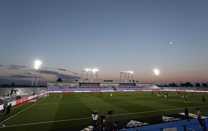 Het Estadio Alfredo Di Stéfano (6.000 stoeltjes), waar Real Madrid vanavond kampioen kan worden.