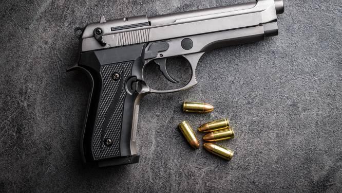 Geen straf voor man die met pistool in eigen been schoot