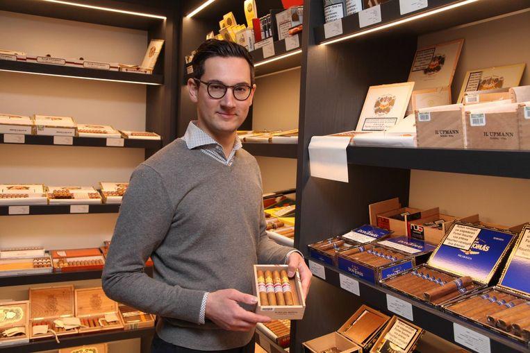 Stijn Deman is de nieuwe Havana-specialist en mag voortaan de meest exclusieve sigaren verkopen.