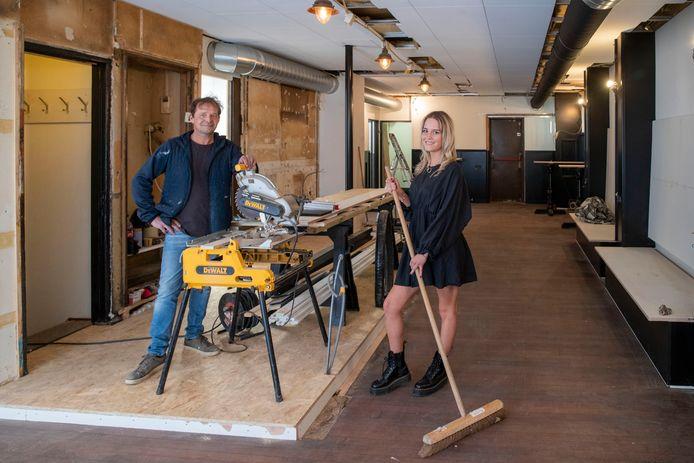 Roos Paans start samen met haar vader Ron in augustus met Café bij Roos op Markt