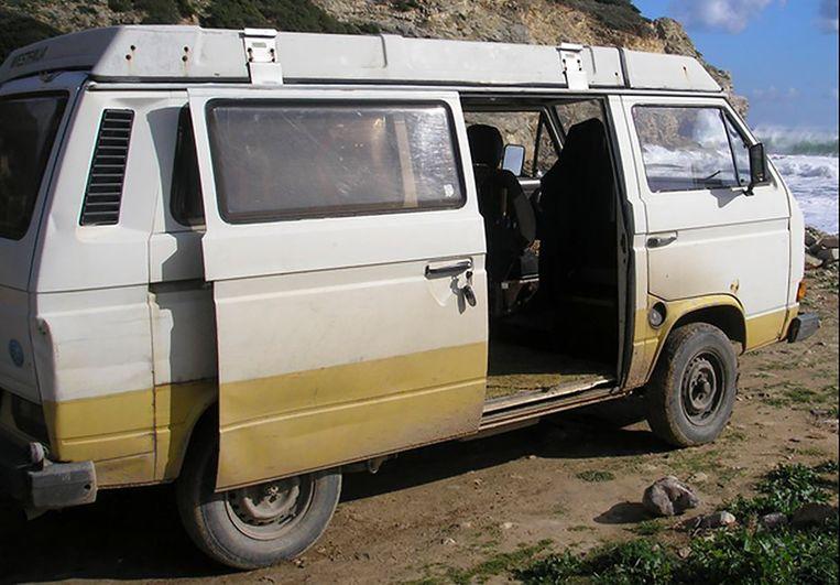 Volgens de politie heeft de verdachte in dit kampeerbusje gereden rond de verdwijning van  Madeleine McCann. Beeld AP