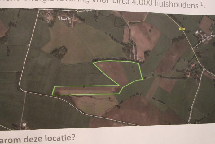 Op inloopbijeenkomst getoonde luchtfoto met erop geprojecteerd waar de  'PV Plant Harbers' is voorzien in het buitengebied van Neede.