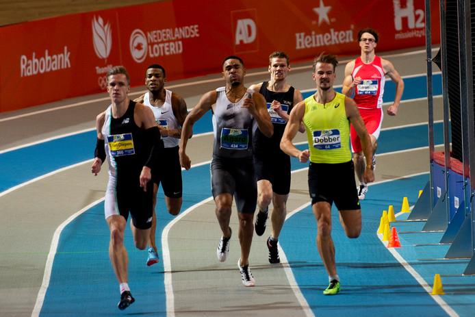 Nout Wardenburg (derde van rechts) in de finale van de 400 meter.
