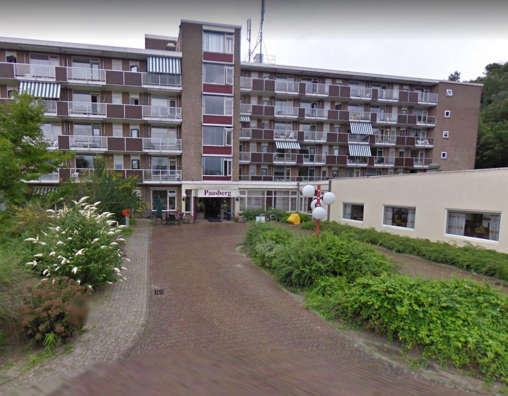 De Paasbergflat in de Arnhemse wijk Paasberg.