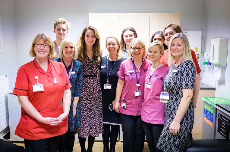 Kate Middelton bracht onlangs een bezoek aan de kraamafdeling van Kingston Hospital.