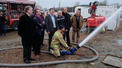 Brandweer doopt nieuwe kazerne