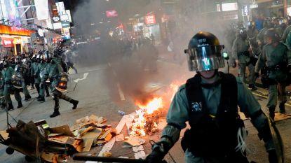 Nederlander (31) steekt vuilnisbak in brand in Hongkong en riskeert gevangenisstraf van 10 jaar
