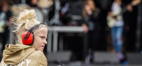 'Kabinet moet maximale geluidsnorm voor festivals onderzoeken'