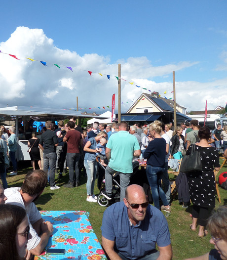 Gezelligheid troef op foodtruckfestival in Almkerk