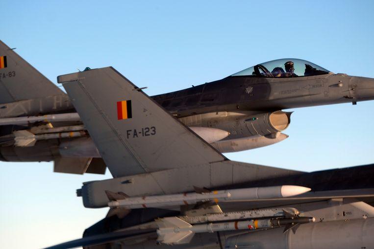 F-16's van de Belgische luchtcomponent, hier op archiefbeeld.
