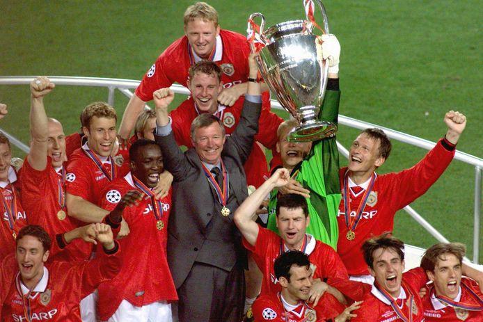 Gioia tra i giocatori del Manchester United dopo aver vinto la finale di Champions League contro il Bayern Monaco al Camp Nou il 26 maggio 1999.