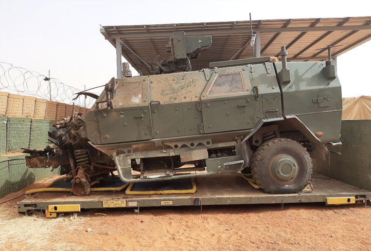 Het pantservoertuig dat werd vernield door een bermbom op 1 januari.