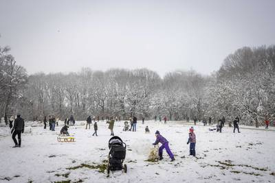 Sneeuw kleurt Nederland wit, code geel van kracht