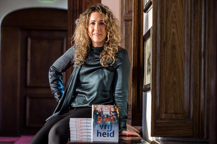 Laura de la  Mar, directeur van Gastvrijheid in Bedrijf presenteert binnenkort een boek over  gastvrijheid.
