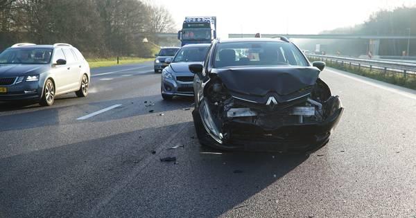 Vertraging op A1 neemt af na ongeluk met vier autos bij Bathmen.