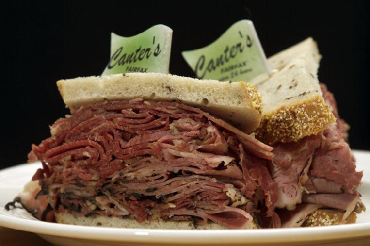 Een broodje pastrami van Canter's Deli Beeld Getty Images