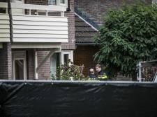 Verdachte (27) van doden beide ouders in Hengelo dinsdag voor het eerst voor de rechter