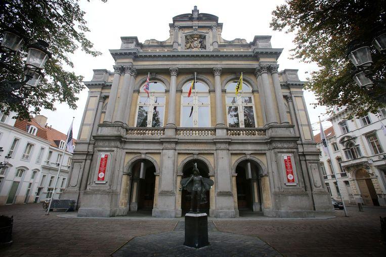 De Stadsschouwburg van Brugge: er moet een volledig nieuw wifinetwerk komen.