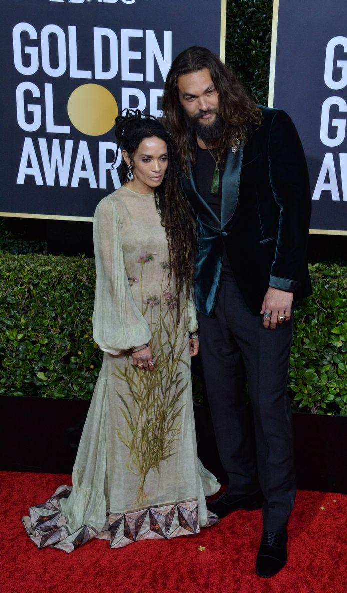 Jason Momoa en zijn vrouw, Lisa Bonet, op de rode loper - toen hij nog al zijn kleren aanhad.