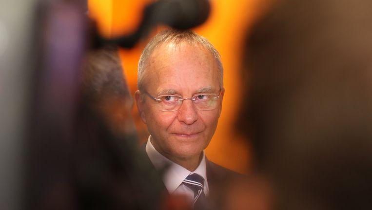 Henk Kamp was aanvankelijk niet van plan om in actie te komen met maatregelen, omdat het een zaak zou zijn van de bedrijven zelf. Maar de VVD-minister is nu toch om. Beeld epa