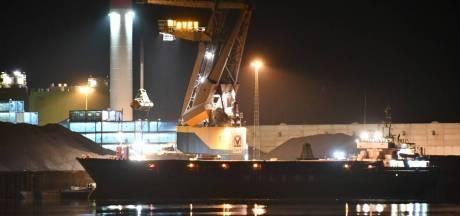 Hoogtereddingsteam in actie na ongeluk op schip in Kaloothaven