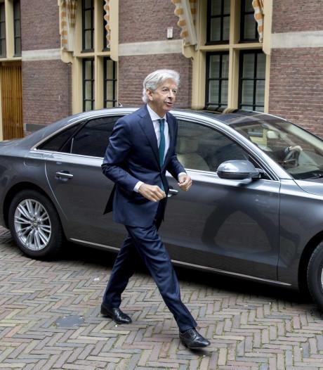 Oud-minister Plasterk noemt rijders van elektrische auto's 'enorme asocialen'