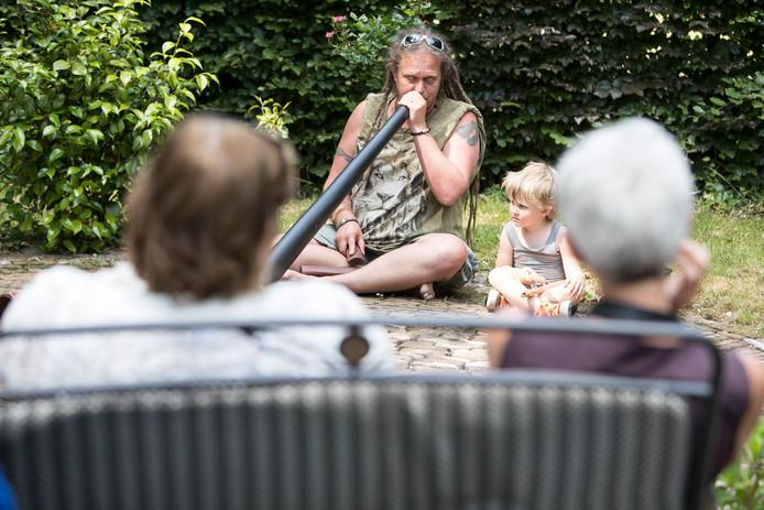 Voorst mist node een cultuurcoach, een coördinator voor kunst en cultuur. Op de archieffoto uit 2017: het festival Droomtuin op het landgoed Kleine Noordijk in Wilp.