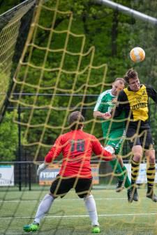 VVO-doelman Max Jansen met de schrik vrij: 'Stijve nek en week geen voetbal'